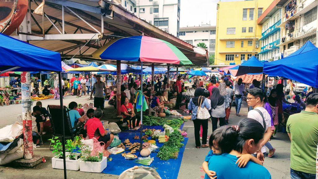 Sunday Market na Gaya street